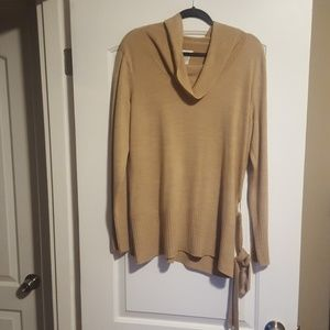 NWOT Jaclyn Smith sweater with waist belt
